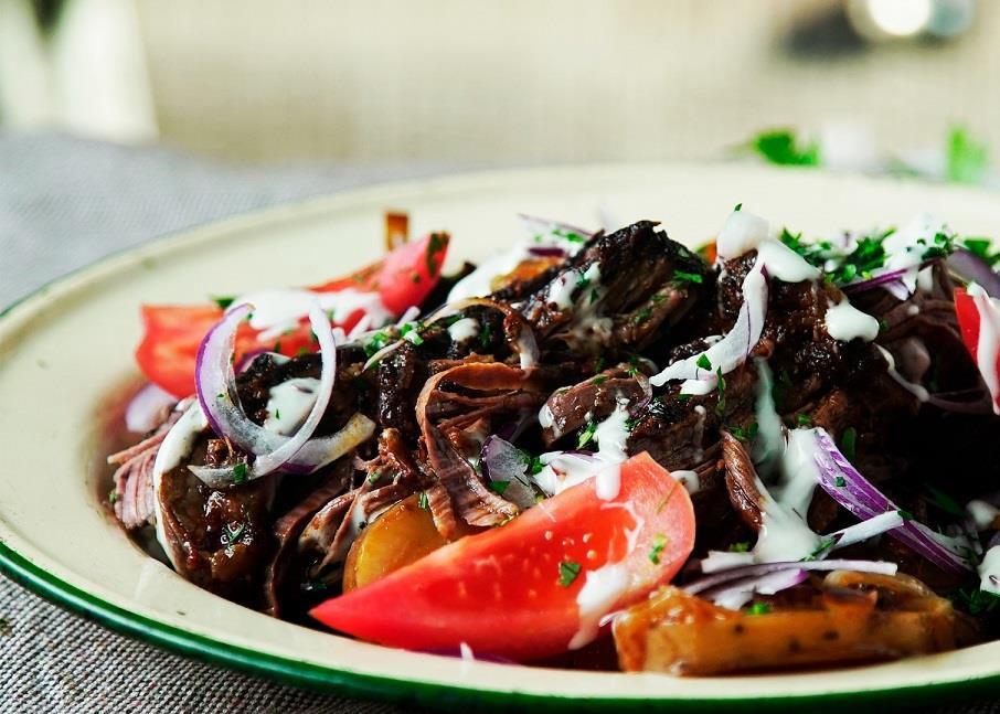 Tối nay ăn gì: Bít tết bò nướng kèm rau củ