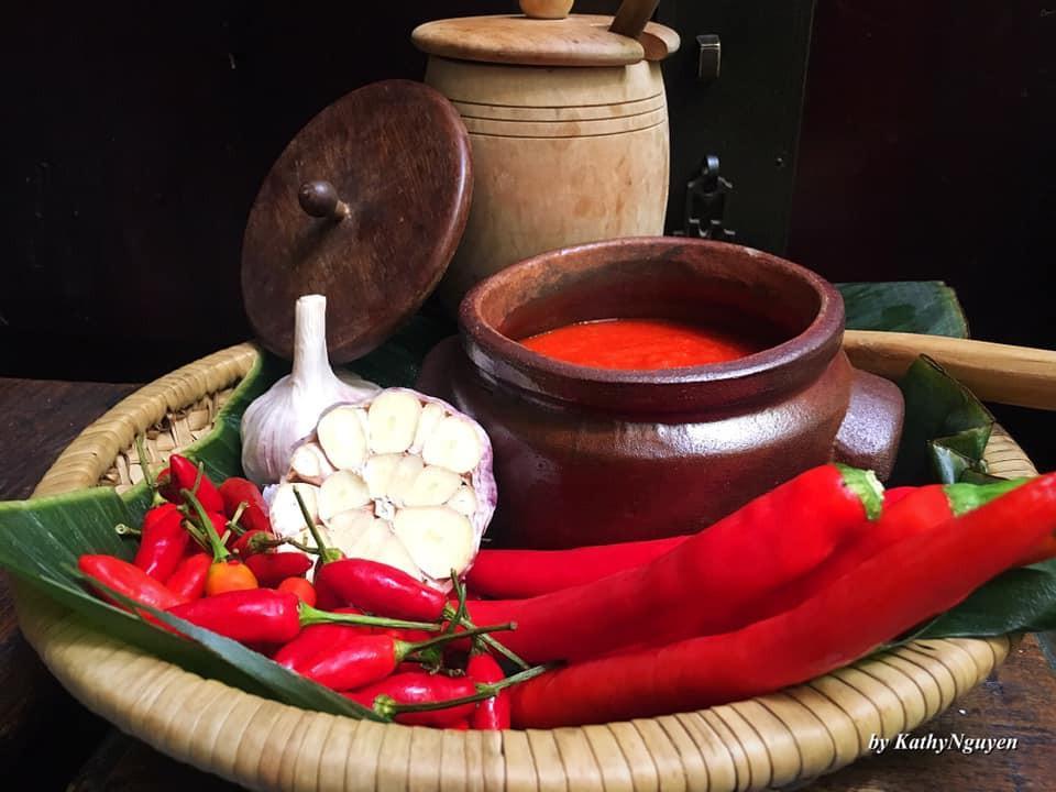 Trọn bộ cách làm tương ớt chuẩn vị kiểu Bắc và sa tế cay nồng sánh ngon
