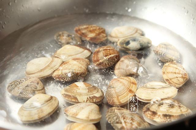 Trứng hấp với loại hải sản này cả nhà thi nhau gắp