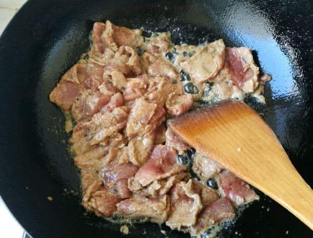 Từ khi học được bí quyết của đầu bếp Mỹ, món thịt bò xào của tôi lúc nào cũng mềm tan, thơm ngon bất bại