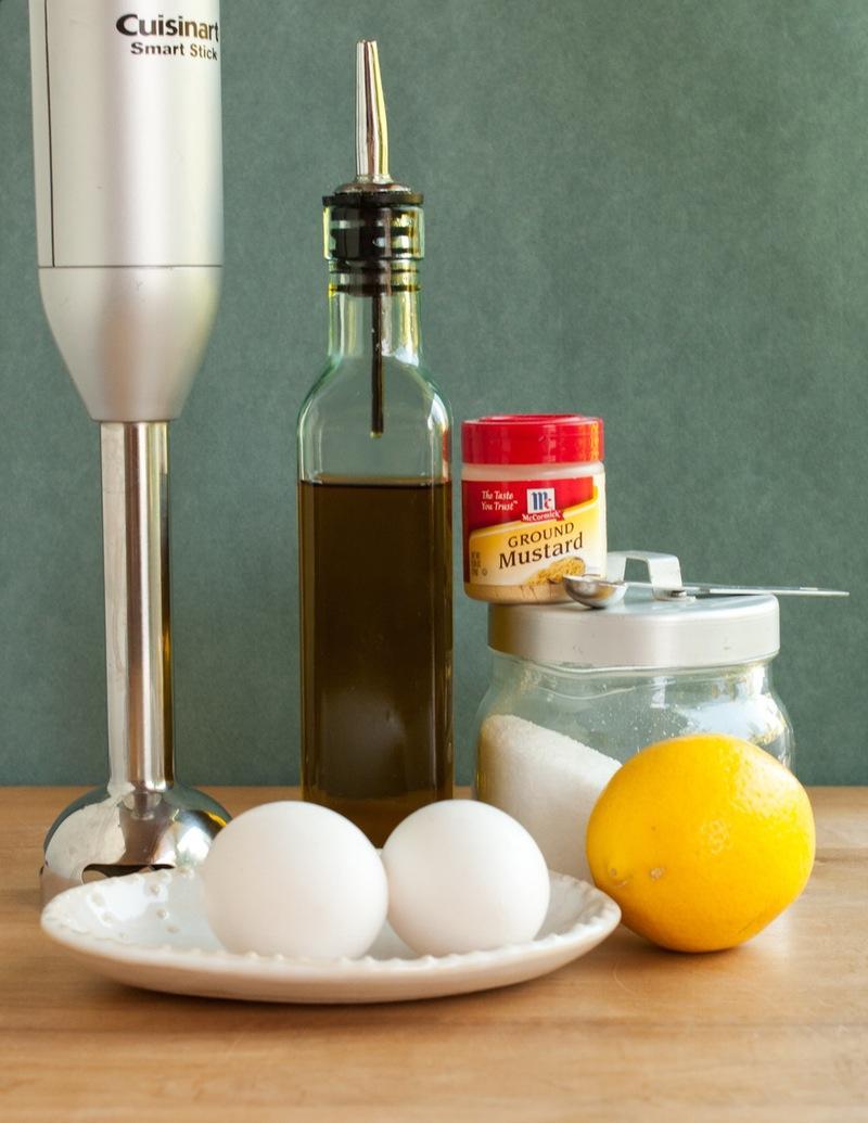 Tự làm sốt mayonnaise thật dễ dàng với máy xay sinh tố