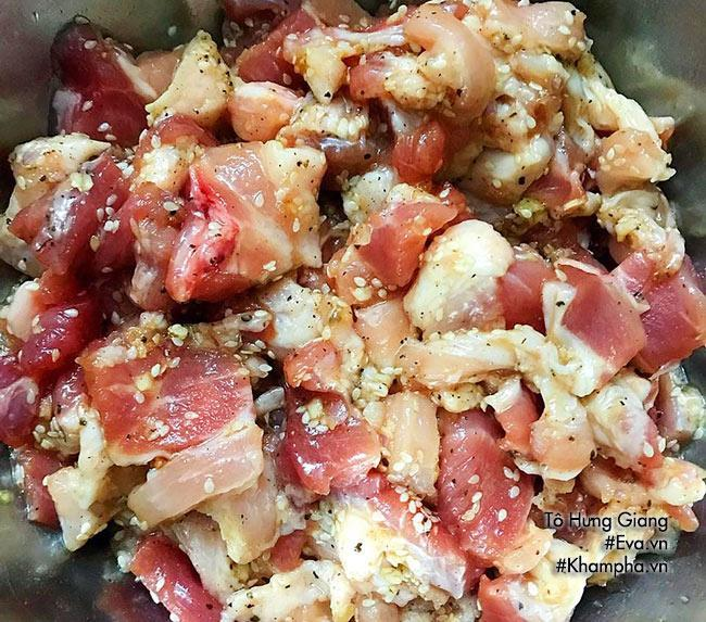Tuyệt chiêu làm thịt xiên nướng thơm lừng bé ăn thun thút